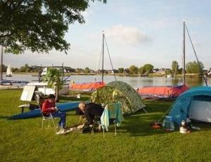 camping-aan-water-friesland-bearshoeke-haven