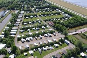 campings-friesland-aan-zee-water
