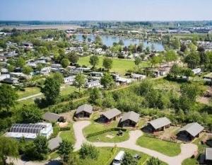camping-betuwestrand-gelderland-glamping-meer