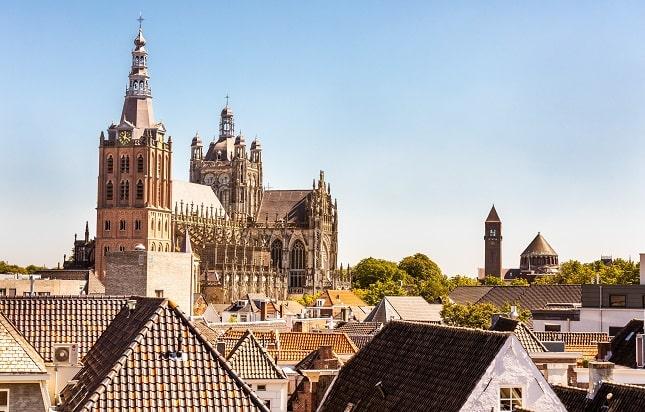 s-hertogenbosch-noord-brabant-doen-vakantie
