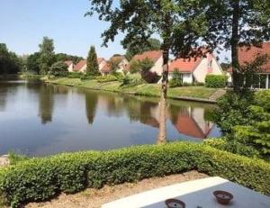 villapark-weddermeer-groningen-bungalowpark-water