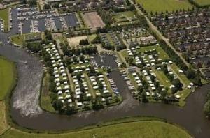 camping-rakken-friesland-aan-water-haven
