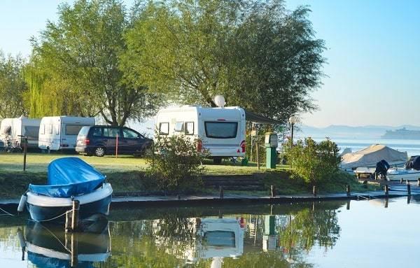 campings-aan-water-meer-reserveren