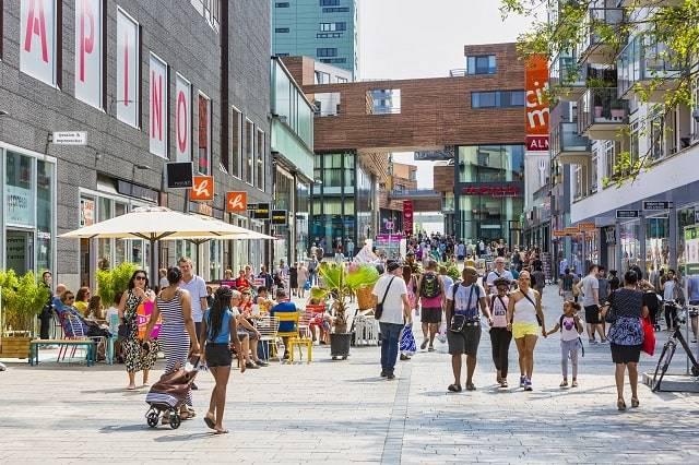 leuke-stad-nederland-almere-centrum-winkelen