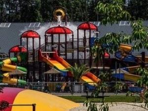 camping-vakantiepark-groningen-zwembad-waterpark