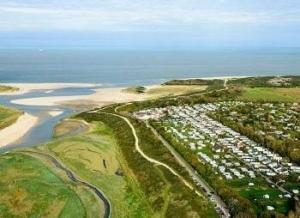 campings-zeeland-aan-zee-water-strand